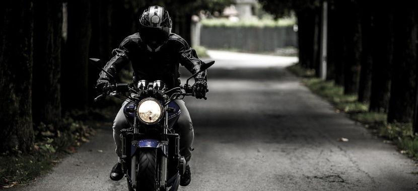Las luces obligatorias en tu moto