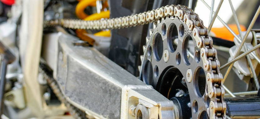 Herramientas necesarias para cambiar la cadena de tu moto